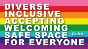 Rainbow Flag mit Text Diverse, Inclusive, Accepting, Welcoming, Safe Space, Guter Stoff For Everyone